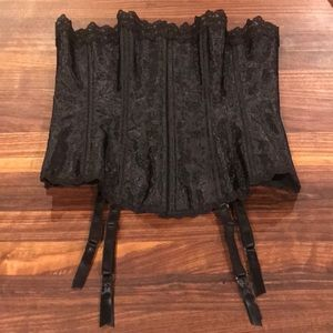 Frederick's of Hollywood black lace-up corset, 36